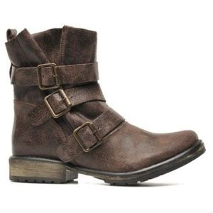 Steve Madden Brown Colony Boots